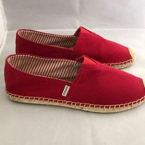 cad7d3e319 Joy   Mario · NIB Women s slip on canvas espadrille shoes red.  40  50